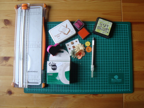 scrapbooking materiel